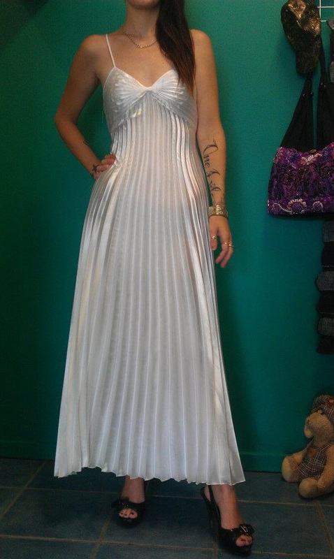 24f01b76707 ... BRIDESMAID DRESS SIZE 14 WORN ONCE  150.00. Picture. LEG AVENUE - LONG  WHITE FORMAL GOWN - SMALL