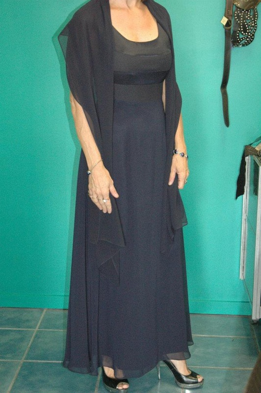03ca628086e  MR K  Formal Dress. Navy with Shawl. Size 10  75.00 RRP  299.80
