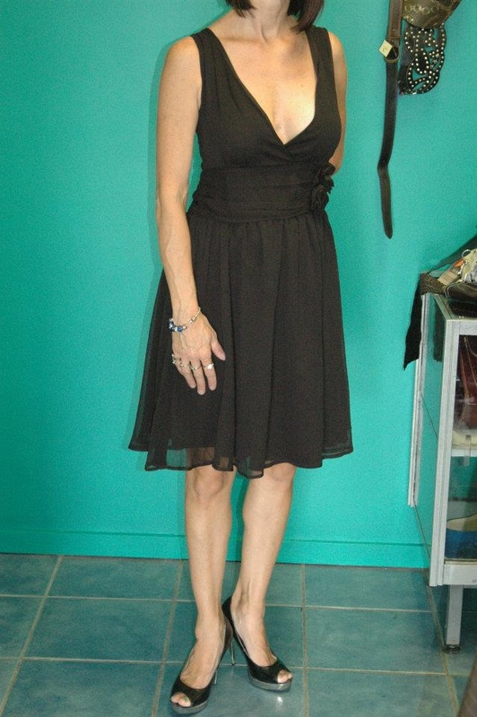 5cc70a88d44  EXPRESSIONS  SIZE 16 BNWT BLACK COCKTAIL DRESS.  20.00